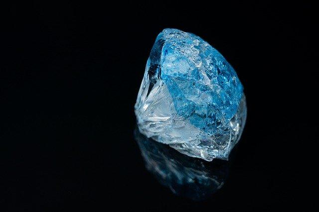 通販で買える1カラットダイヤモンドネックレスのコピー品を露店で発見
